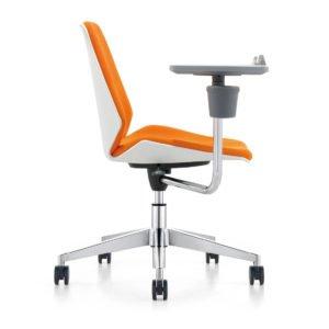 כסא דגם מנור